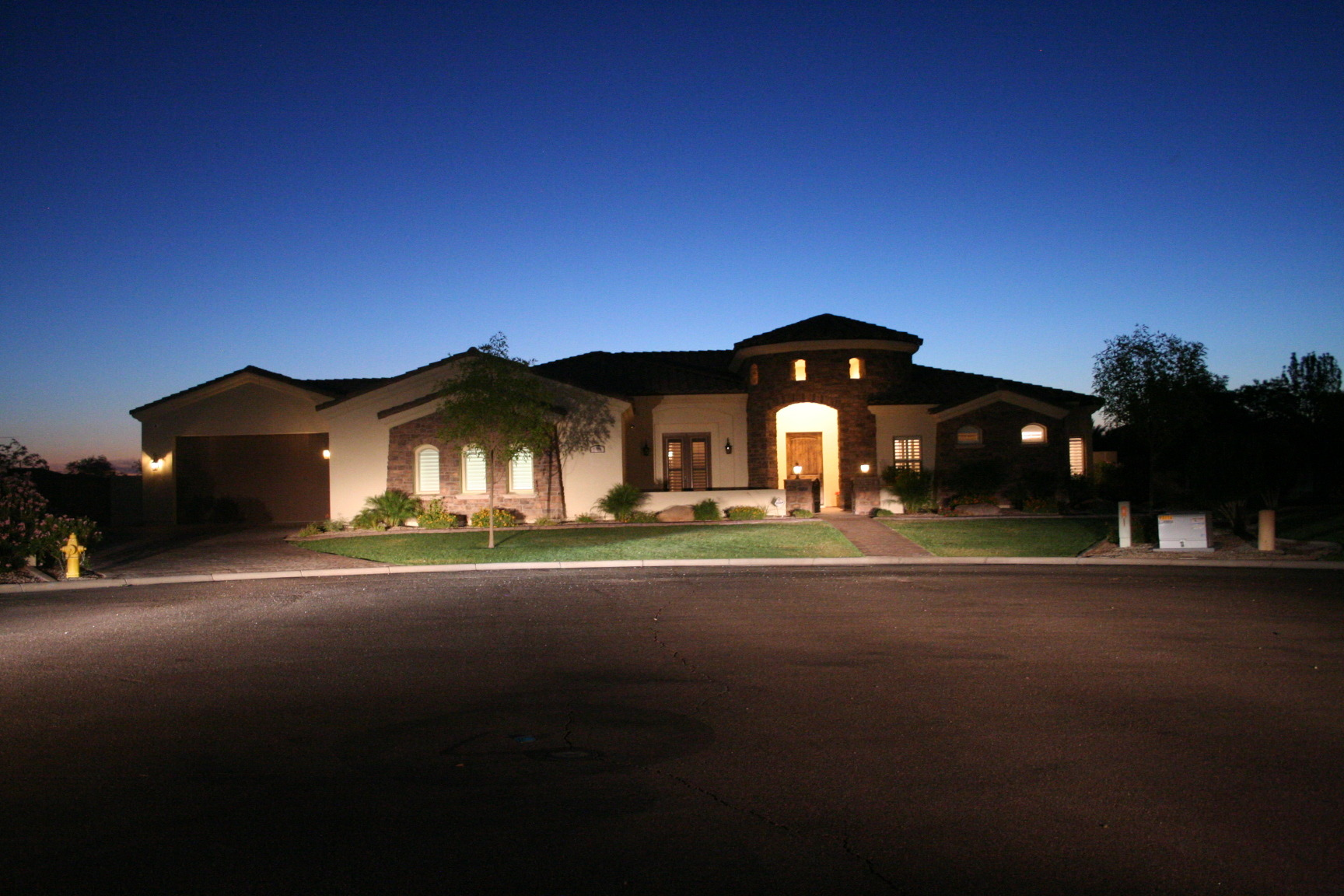 6 Bedroom 5 5 Bath Home In Gilbert Az With A Basement
