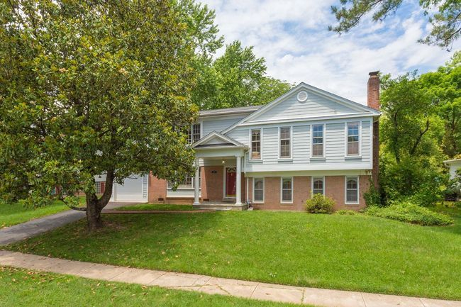 5456 Broadmoor St Alexandria Va 22315 home for sale in Hayfield Farm Alexandria Va
