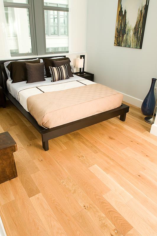 light hardwood floors are best for dogs