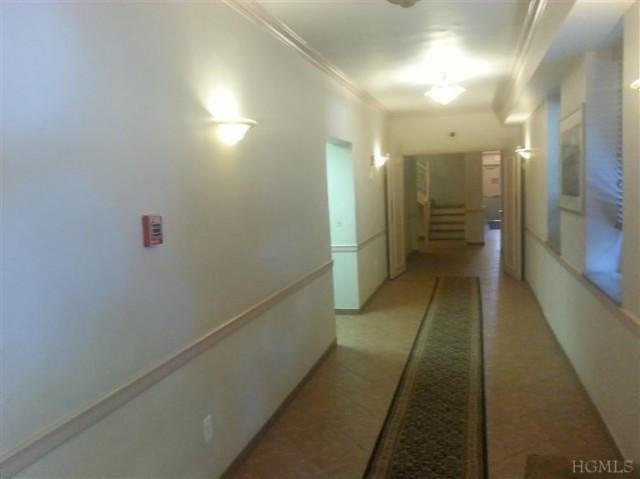 Bronxville 1 bedroom 1 bathroom Co op Apt with parking for