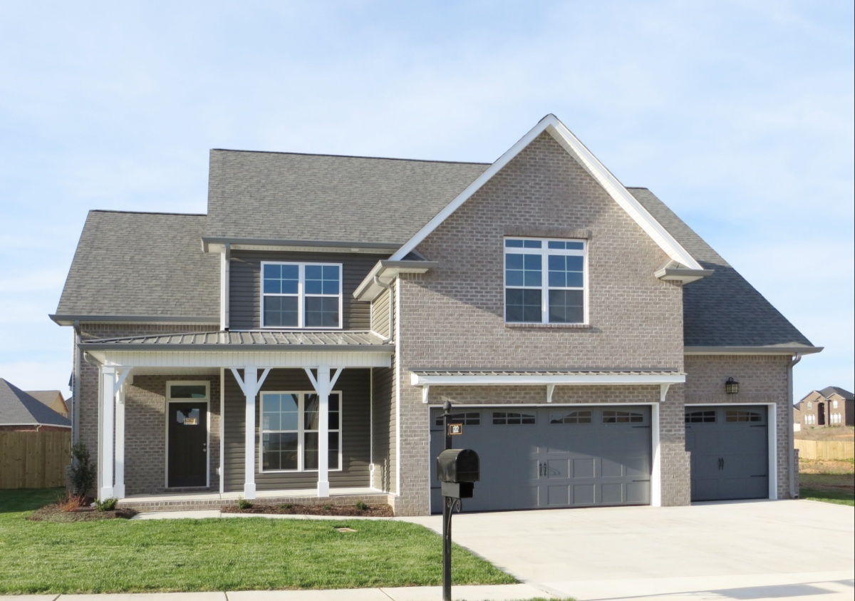 Many new homes in Farmington