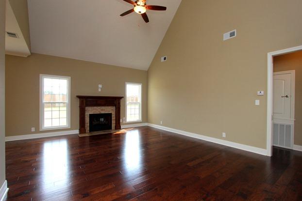 Do hardwood floors help homes sell in clarksville tn for Clarksville flooring