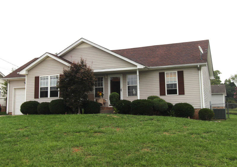 Will 100 000 buy a decent home in clarksville tn for Home builders clarksville tn