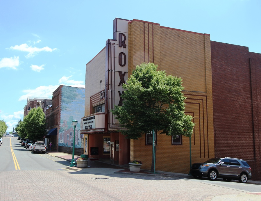 Roxy Regional Theater