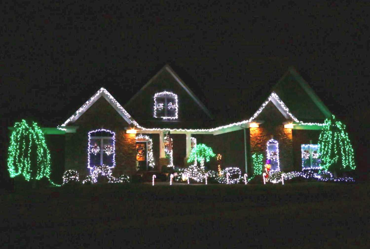 2016 Stones Manor Christmas Decoration Contest