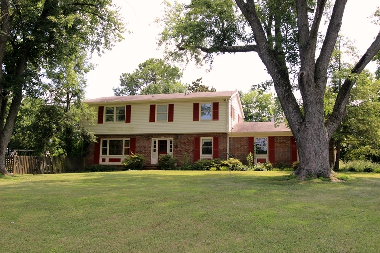 Homes for sale with a little land in clarksville tn for Home builders clarksville tn