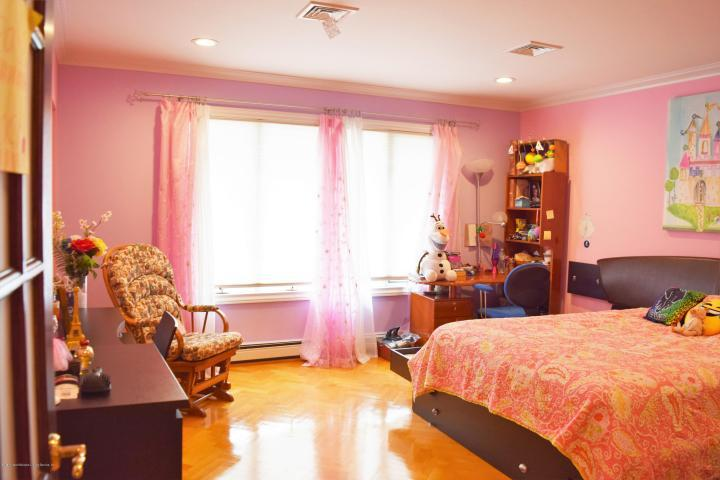 Staten Island house for sale DeFalco Realty