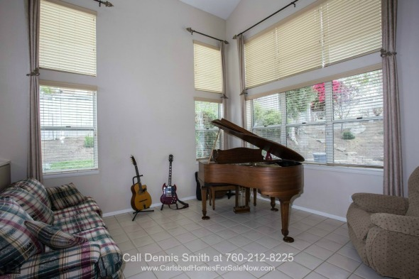 San Marcos CA Homes - Comfort, elegance and space are yours to enjoy in this home for sale in San Marcos CA.