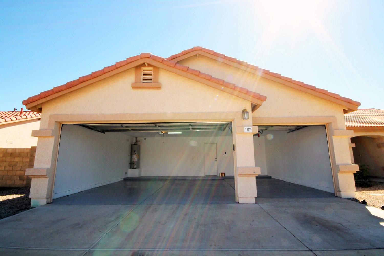 4 bedroom 3 car garage in mountain view estates phx