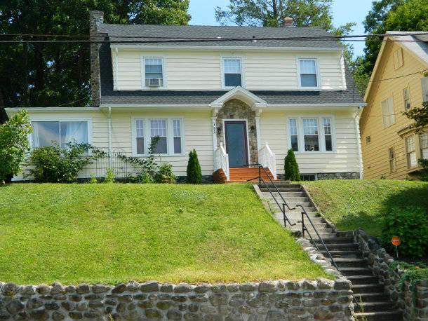 4 Bedroom Colonial For Sale In Waterbury Ct 06710