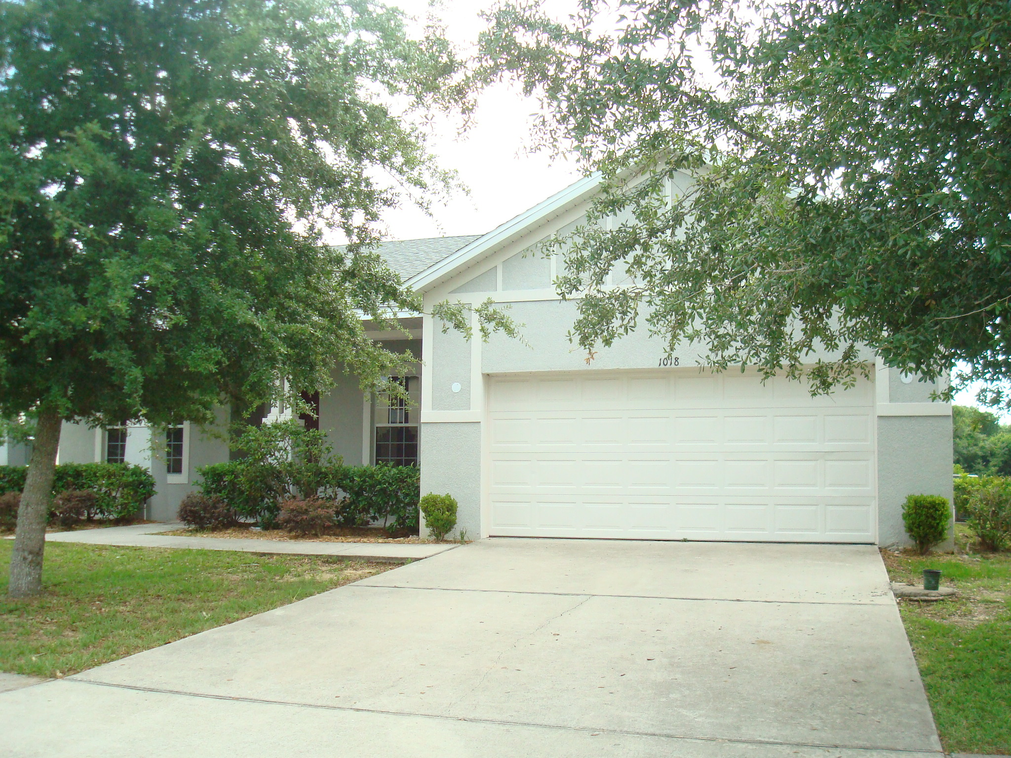 sale pending in highland oaks subdivision minneola fl