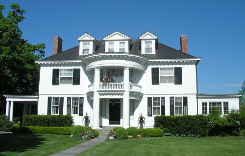 History of the colonial style home for One story colonial homes