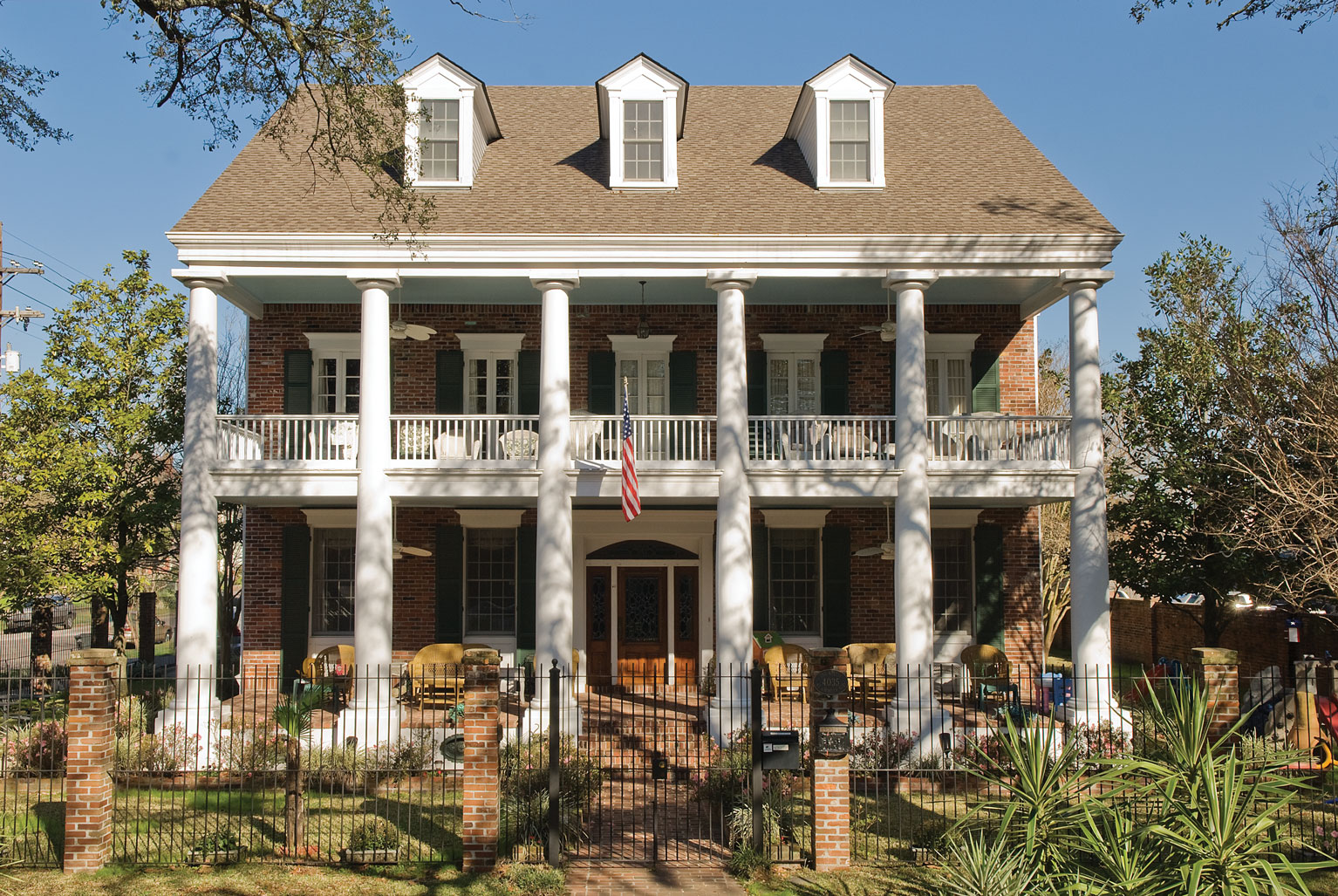 History of the colonial style home for Modern southern homes