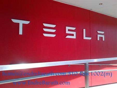 Tesla Show Room In Los Angeles, Endre Barath