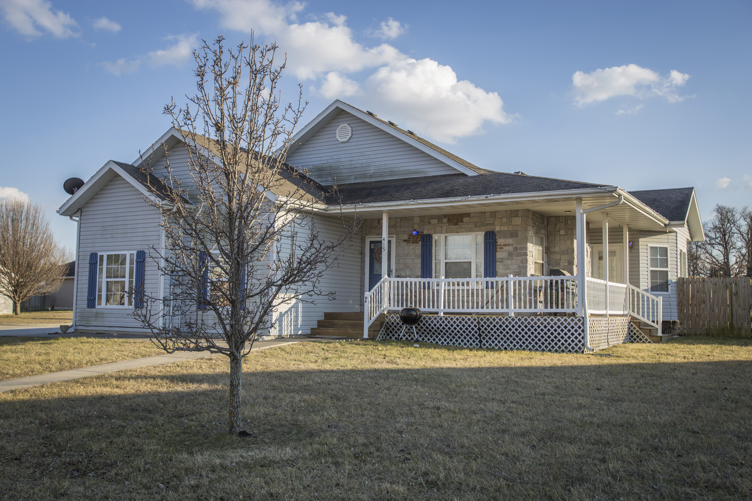 Historic home located in great springfield mo location for Home builders in springfield mo