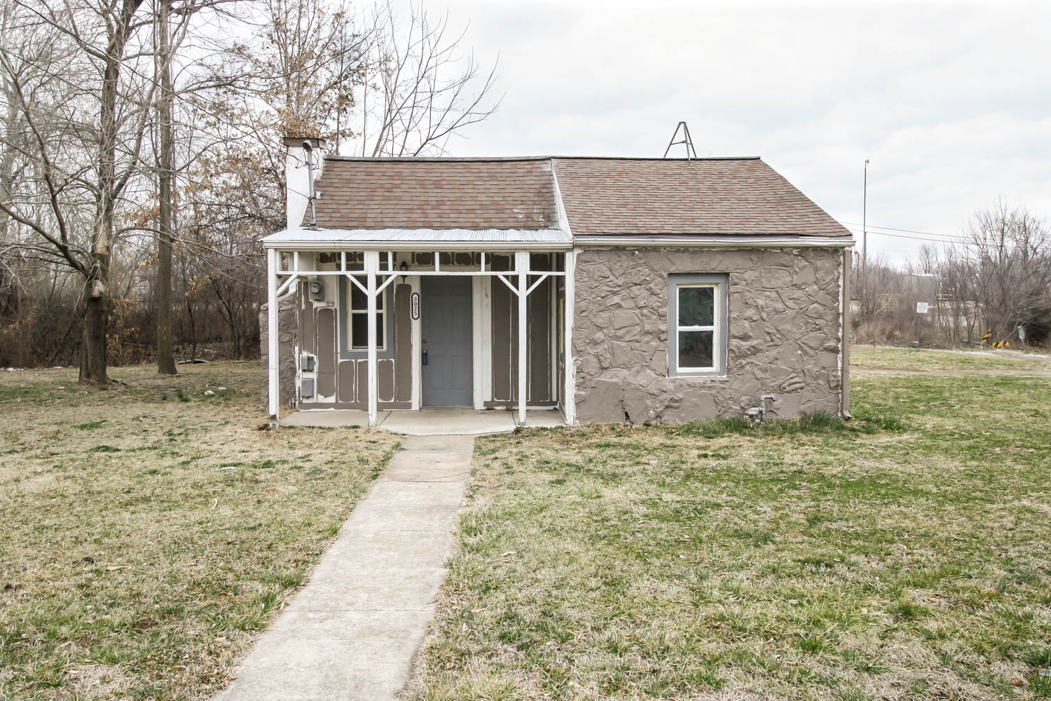 new listing by the Buy and Sell Group