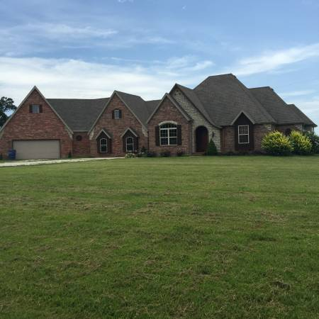 4200 Sq Ft On 4 Acres