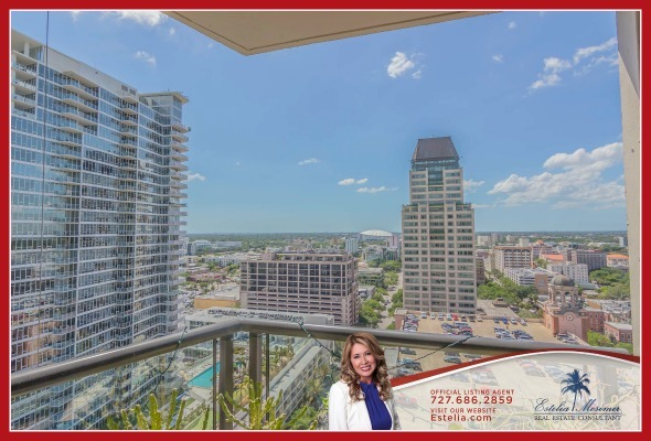 Condos for Sale in St. Petersburg FL - The best of location, privacy and stunning views are yours to enjoy in this condo for sale in St. Petersburg.