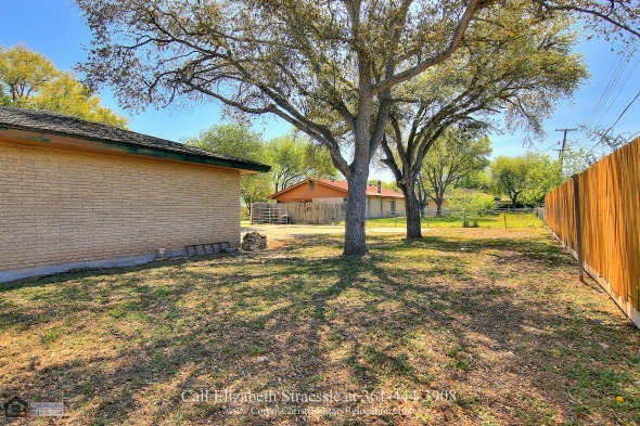 Real Estate Properties for Sale in Kingsville TX - Entertain friends and enjoy al fresco meals on the large private backyard of this home for sale in Kingsville TX.
