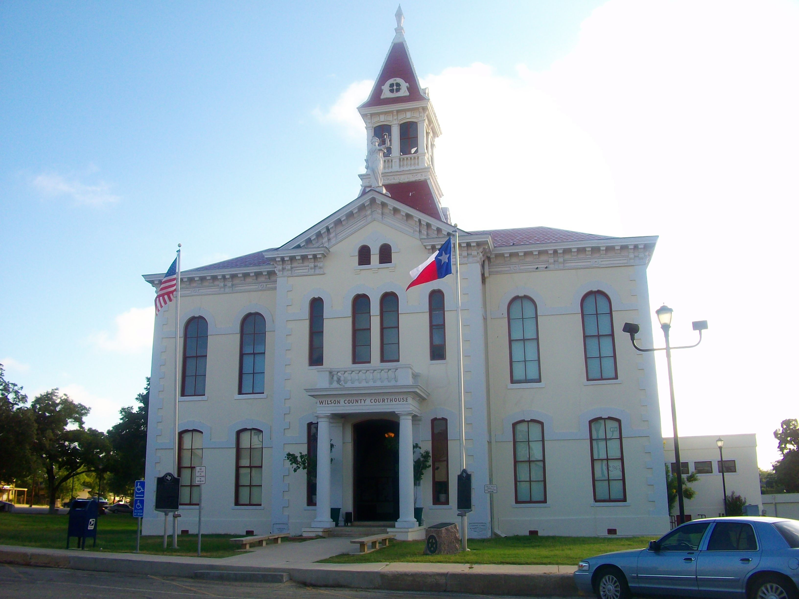 Floresville Tx Wilson County Courthouse