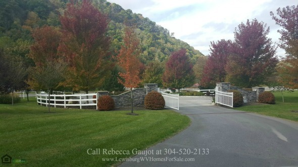 Lots for Sale in The Retreat Caldwell WV - Breathtaking mountain views await you in any of the lots for sale in The Retreat Caldwell WV.