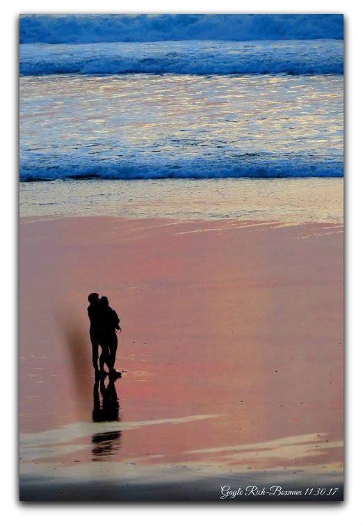 Pacific City Sunset Couple photo by Gayle Rich-Boxman 2017