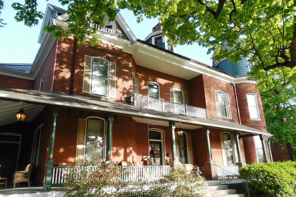 Updated Victorian Mansion Is Successful Bed And Breakfast Inn