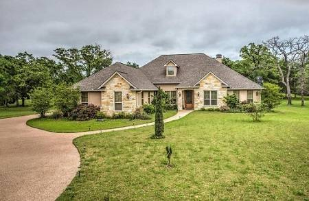 4663 Stony Brook Ln, College Station, TX - Click here to find out more about this beautiful College Station home for sale