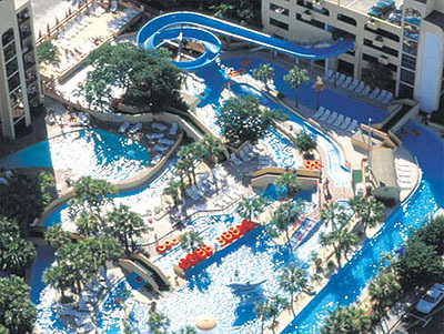 Of Myrtle Beach S Largest Water Parks Featuring A Lazy River That Is 670 Feet Long And 7 Wide Children All Ages Love Vacationing At Sea Mist