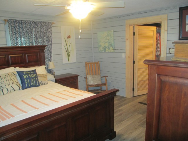 305 Lake Cheohee Road, master bedroom