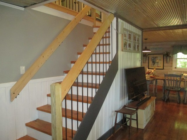 305 Lake Cheohee Road, stairs details