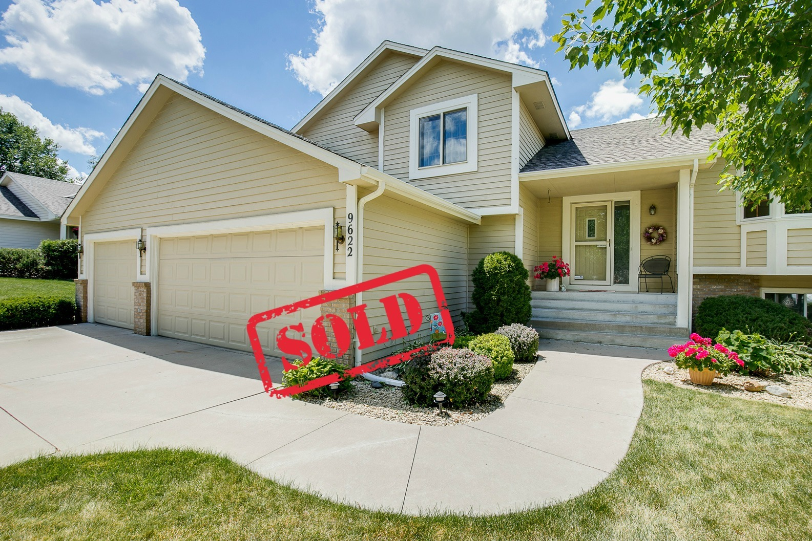 Heidi Herda Sells Another Champlin Home in 4 Days!