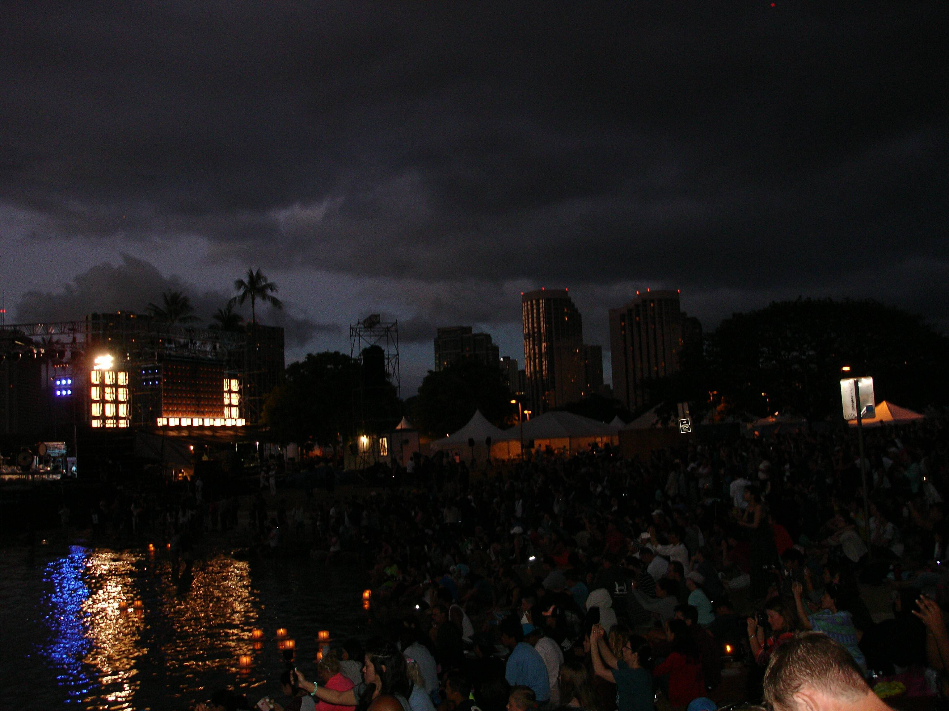 honolulu s floating lantern ceremony for memorial day