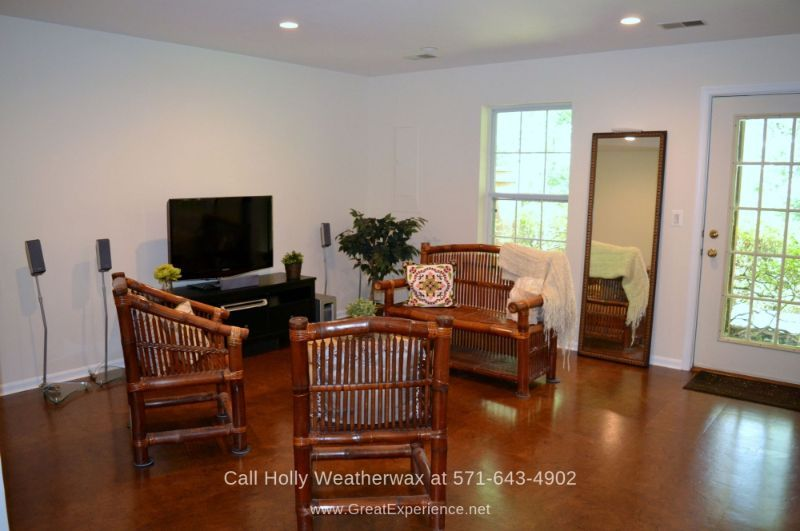 Townhomes in Reston Northern VA - Relax and enjoy bonding moments with your loved ones in this generously spaced family room of this Reston VA townhome.