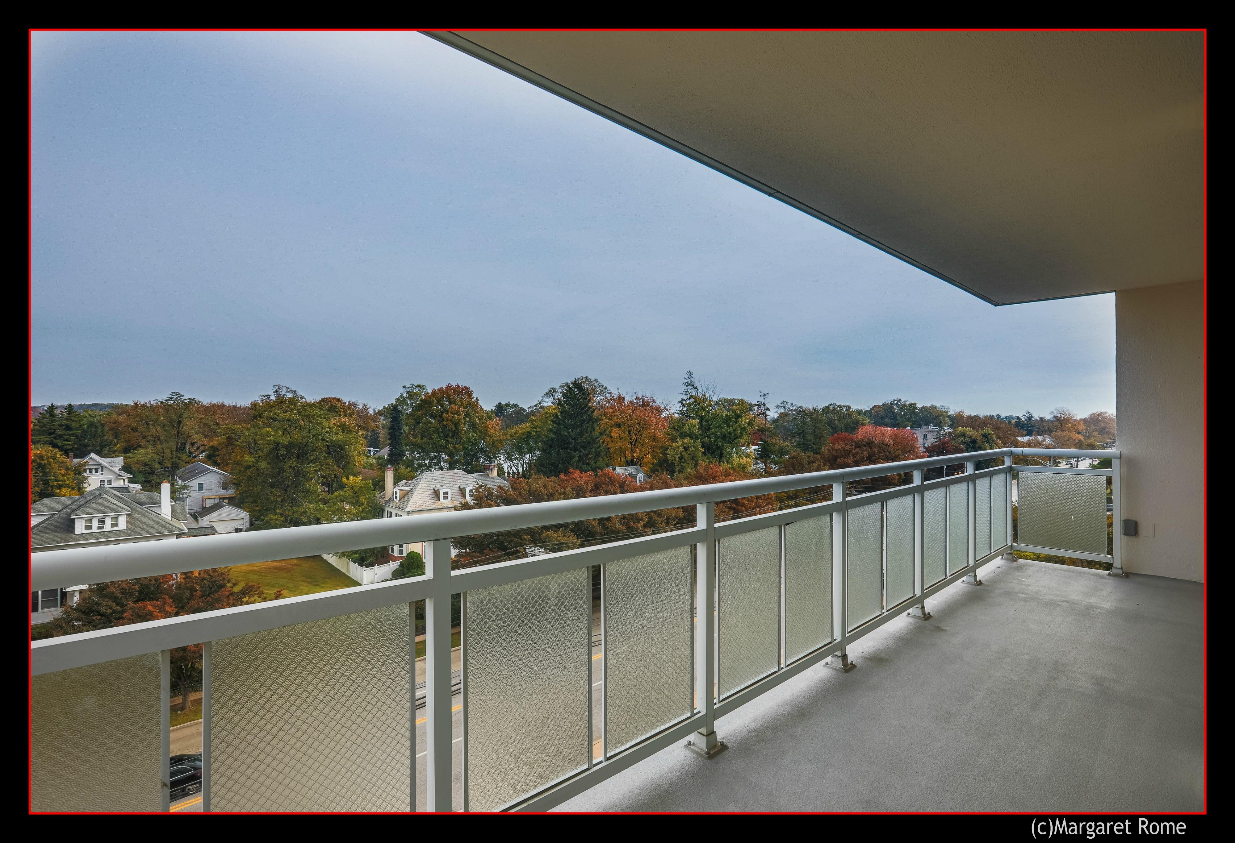 balcony strathmore 600