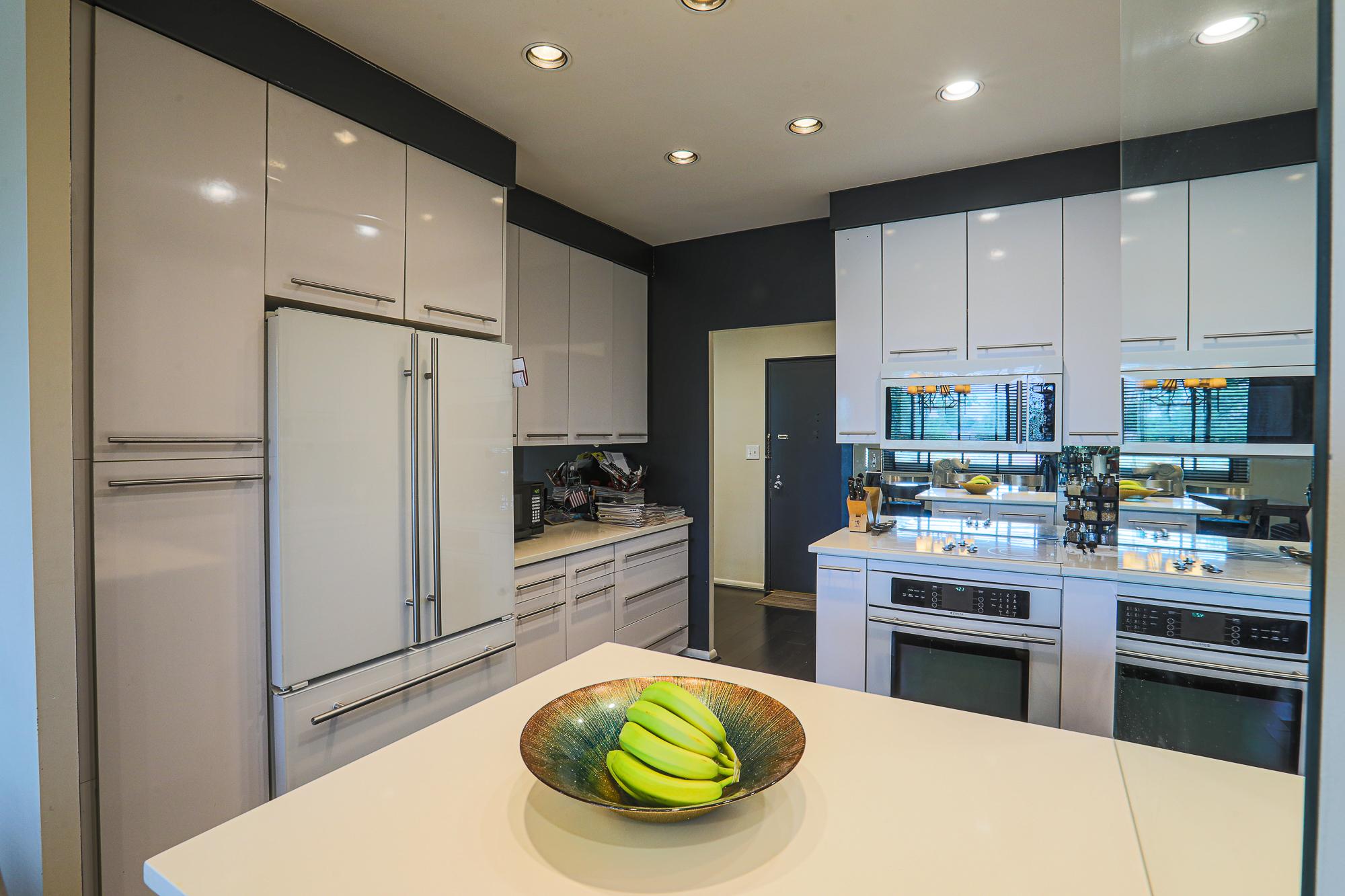 PTE closet in a closet Margaret Rome 410-530-2400