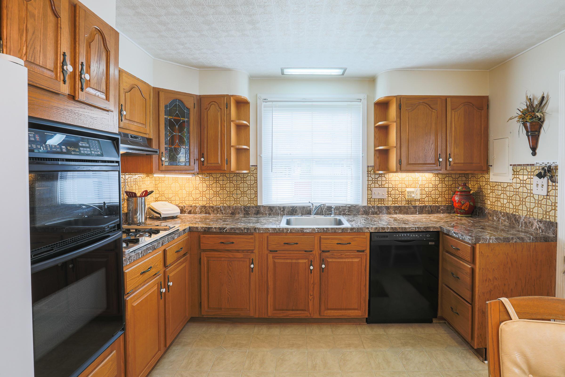 Kitchen 8247  Longpoint