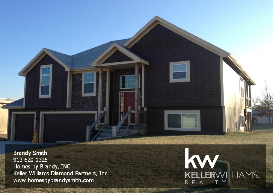 Single family front to back split home in basehor kansas for Front to back split house