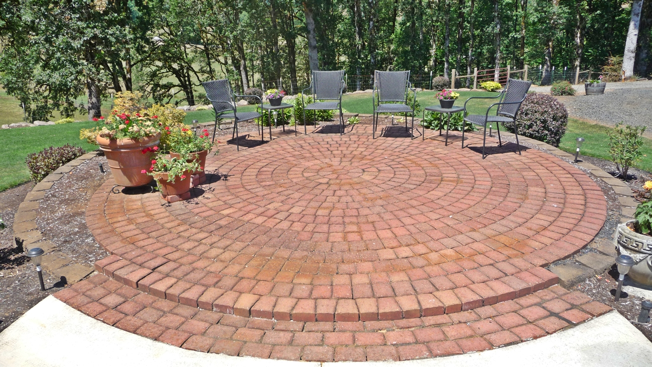 Round Brick Patio   Oregon Country Home With Shop For Sale