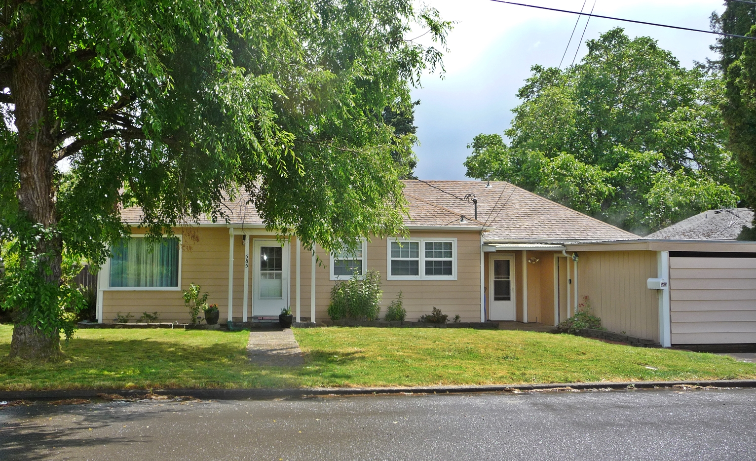 585 College ST Monmouth Oregon for sale
