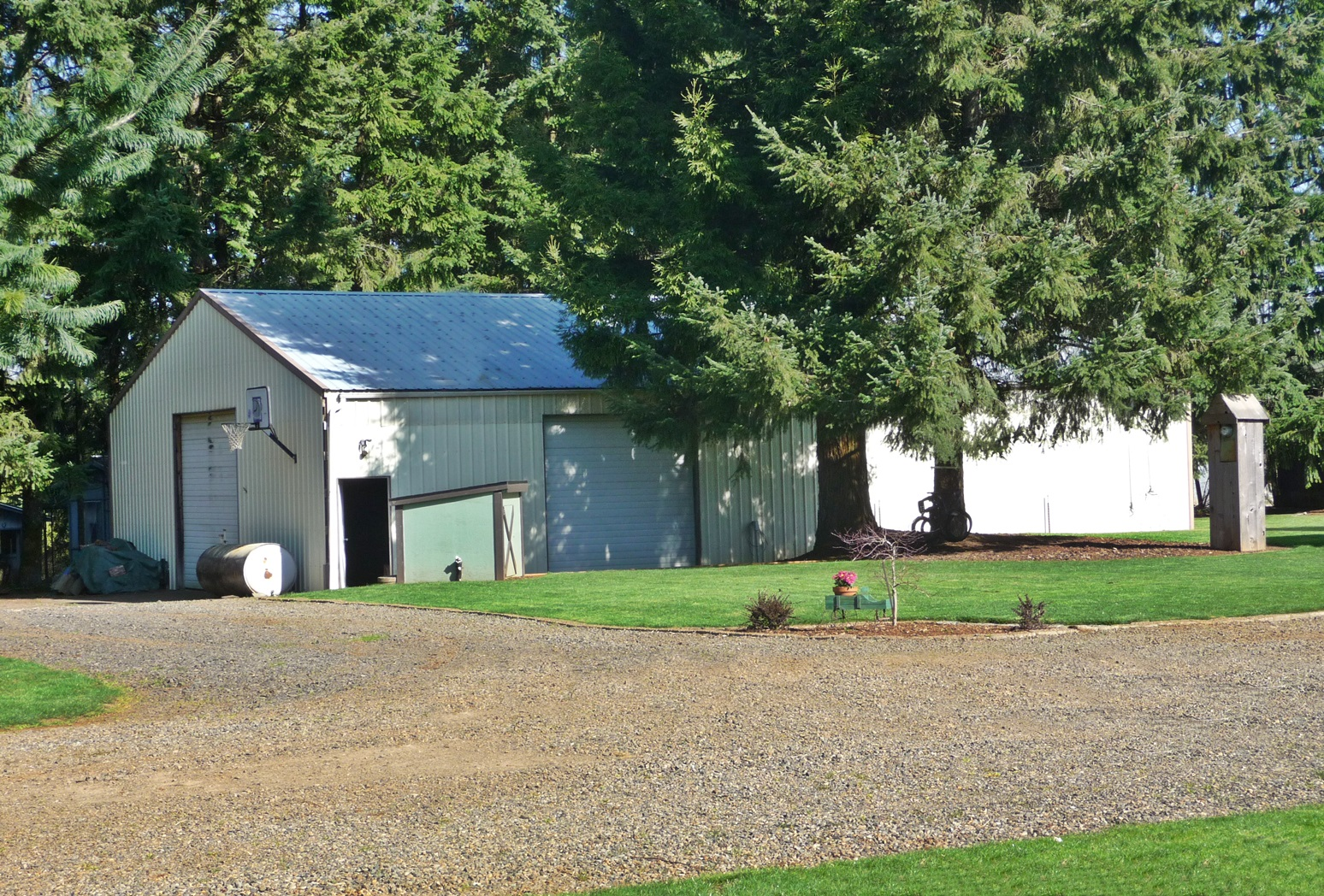 great south salem rural home with shop and barn