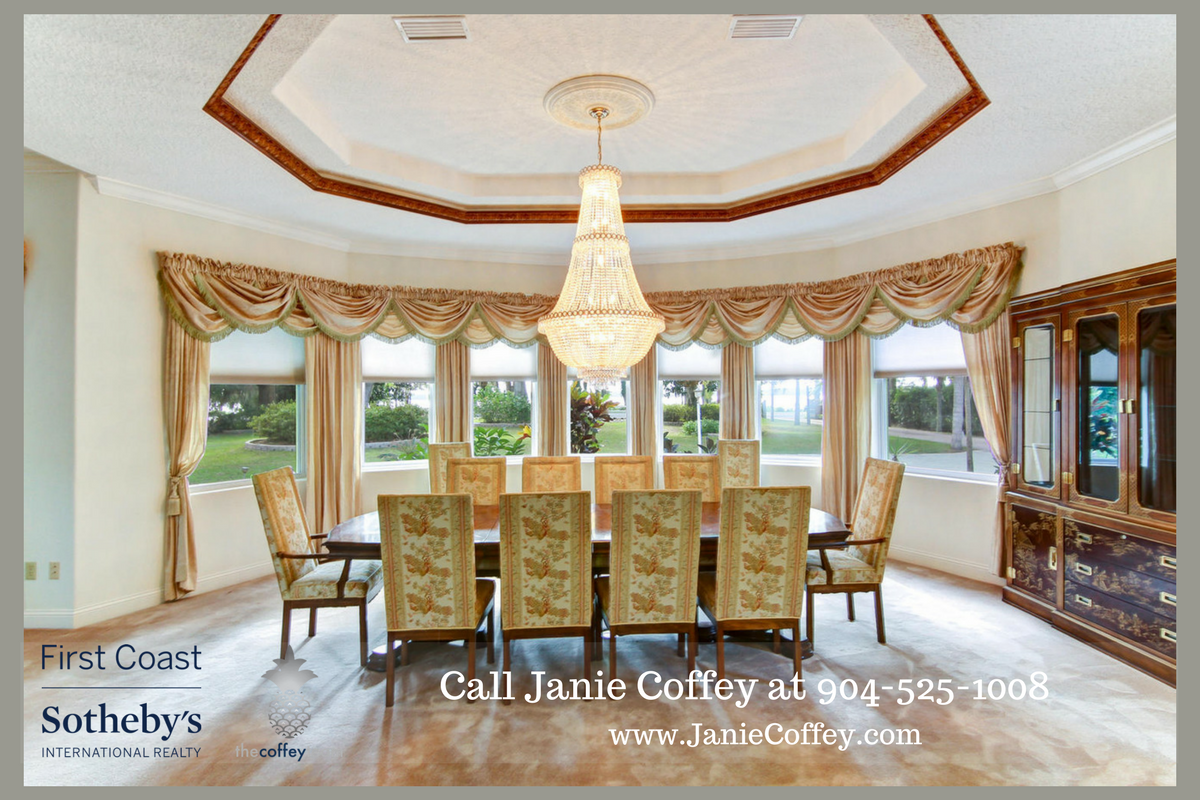 Luxury home in St. Augustine FL- Dine in style with friends and family here in this lovely St. Augustine horse farm.