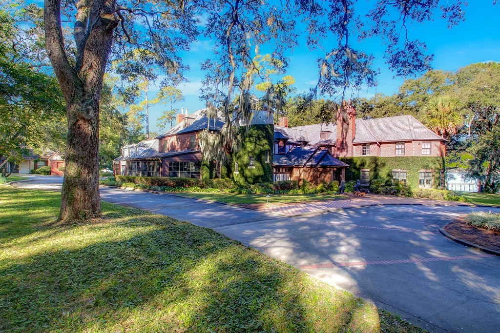 Northern FL historic homes for sale- Fall in love with the aesthetic beauty of historic homes in Northern FL.