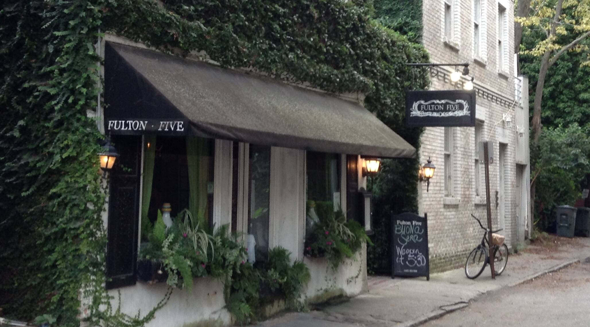 Tucked Away Just Off King Street In Downtown Charleston You Will Find A Fine Dining Experience That Are Sure To Love
