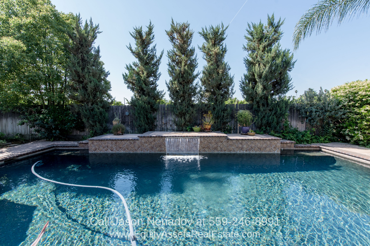 Wawona Ranch Clovis CA Real Estate Properties for Sale - Bask in the inviting appeal of this amazing pool home in Clovis CA.