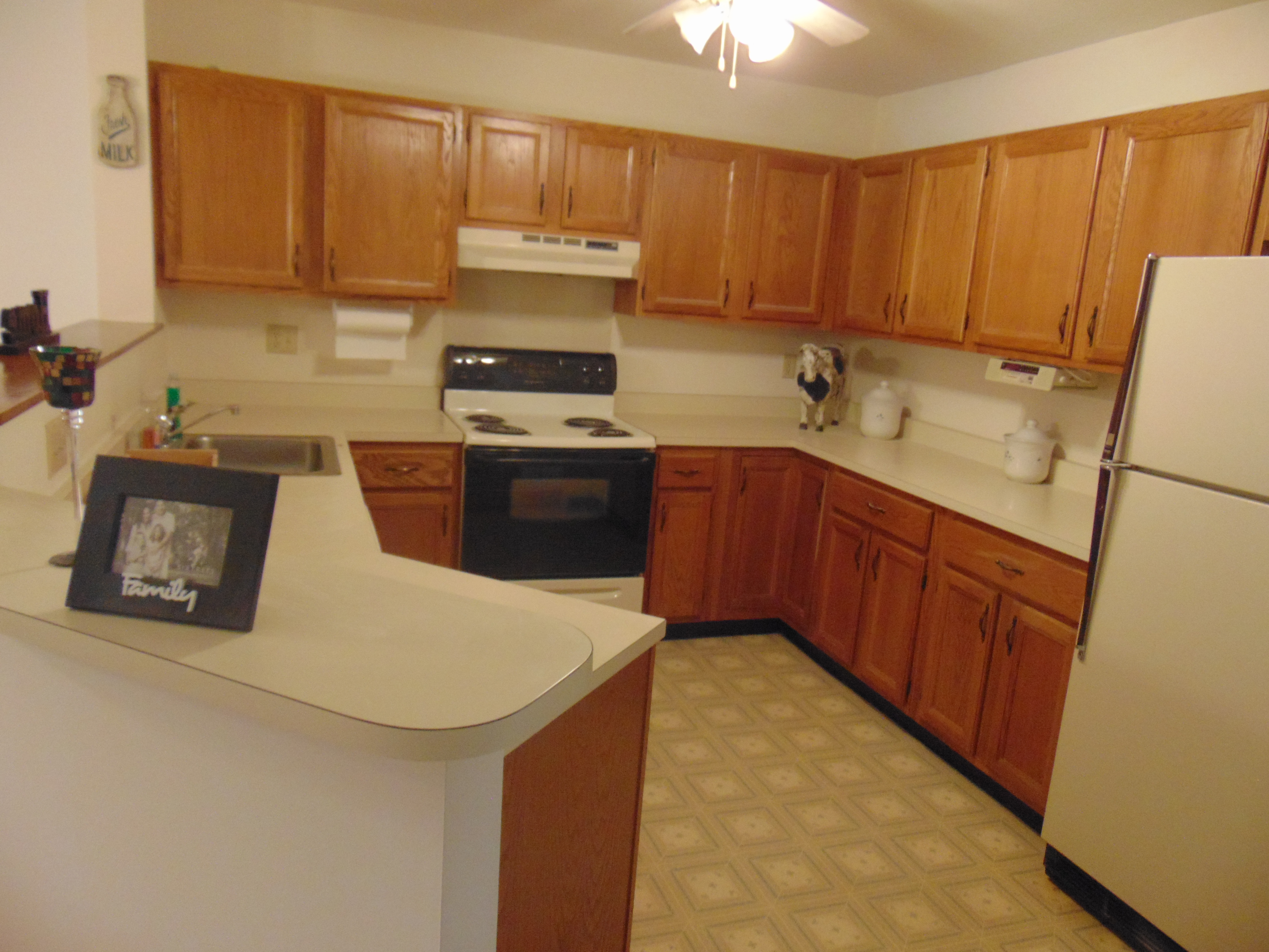 Kitchen cabinets danbury ct - Just Sold At Park Brook Condosdanbury Ct Kitchen Cabinets Danbury