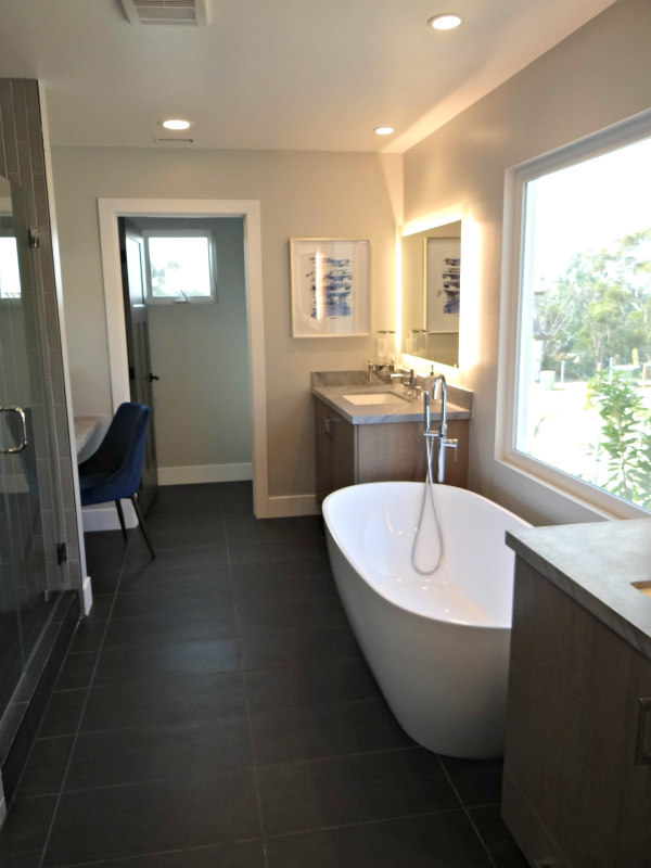 Master Bath at Trail End townhomes in Carlsbad