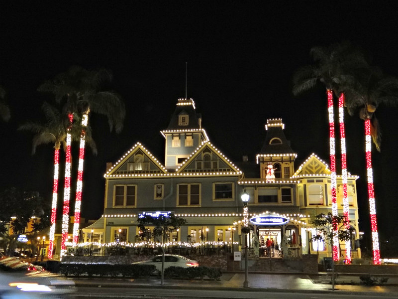 Twin Inns during the holidays in Carlsbad