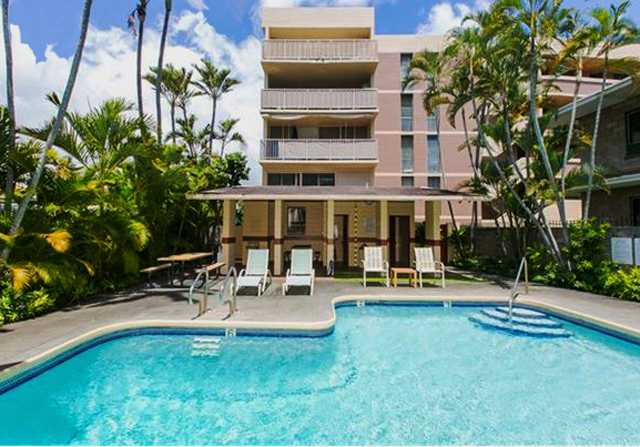 1634 Nuuanu Swimming Pool - HI Pro Realty - Pet Friendly Property Managers