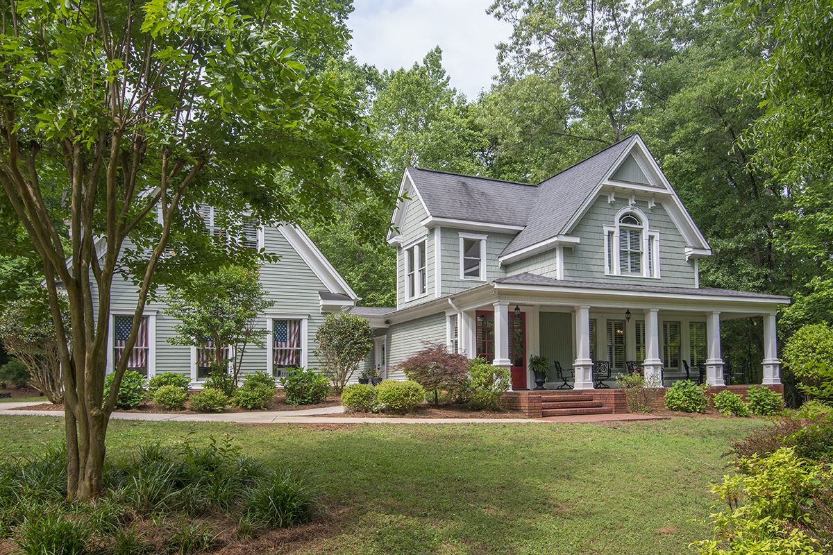Farmhouse Homes lake oconee homes for sale: victorian farmhouse on 2 ac, lake access